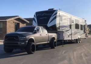 2018 KEYSTONE FUZION TOYHAULER for Sale in Queen Creek, AZ