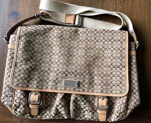 Coach Messenger Bag - brown for Sale in Puyallup, WA