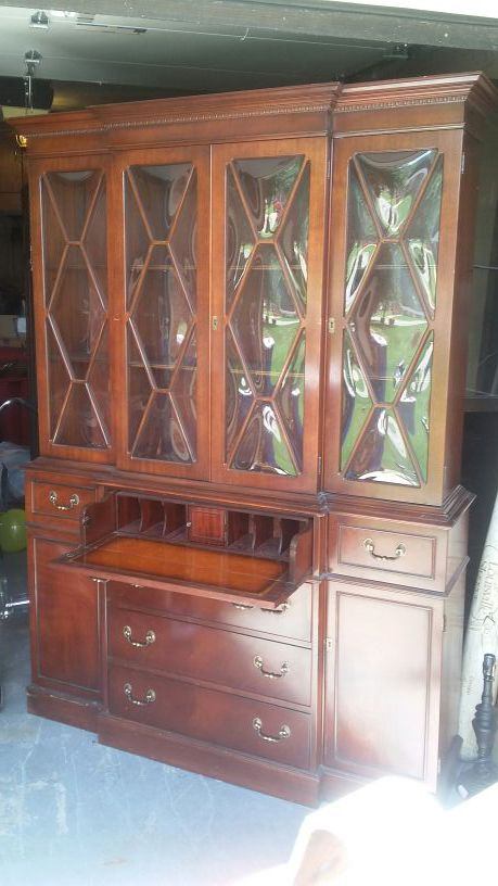 Vintage Mahogany Bubble Glass China Cabinet Slash