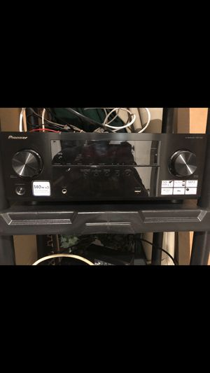 Pioneer VSX522. 5.1 receiver. Practically brand new. Used only 5 times then moved. for Sale in Shrewsbury, NJ