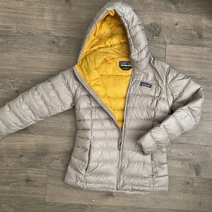 Patagonia XS Micropuff Jacket Sweater Hoodie Grey for Sale in Seattle, WA