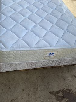 Full size mattress for Sale in Seattle,  WA