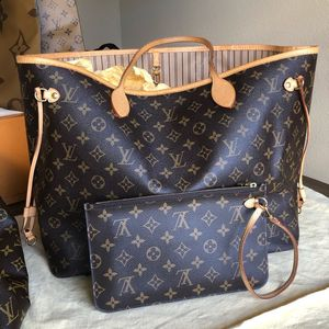 ✨Authentic Louis Vuitton Neverfull MONOGRAM GM for Sale in Austin, TX