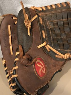 Baseball Glove for Sale in North Las Vegas,  NV