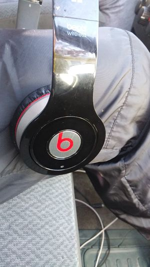 Beats Bluetooth headphones for Sale in Tacoma, WA