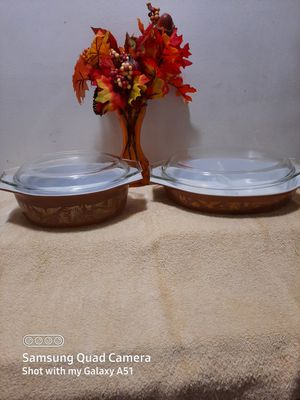Two Pyrex baking dishes with glass lids for Sale in Suitland-Silver Hill, MD