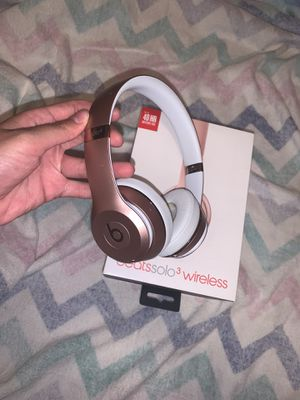 Rose Gold Beats by Dre solo^3 Wireless for Sale in Brooklyn, NY