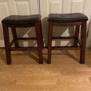 2 Bench Stools for Sale in Goldsboro, PA