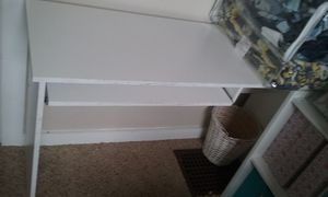 Desk with chair for Sale in Columbus, OH