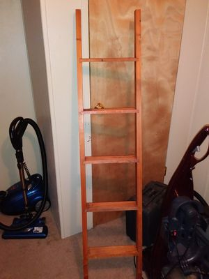 REAL WOOD BUNK BED LADDER FOR SALE IN GREAT SHAPE for Sale in Montgomery, AL