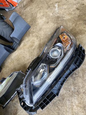 2017 Honda headlight - Driver side for Sale in Greater Landover, MD