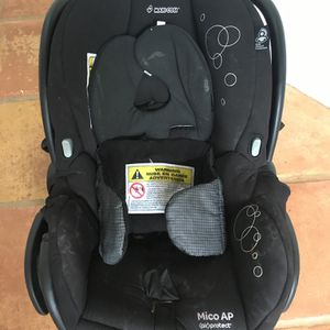 Maxi Cosi Ap Infant Car Seat... Only Here Till Sunday.. Make A Good Offer And It's Yours for Sale in Fort Lauderdale, FL