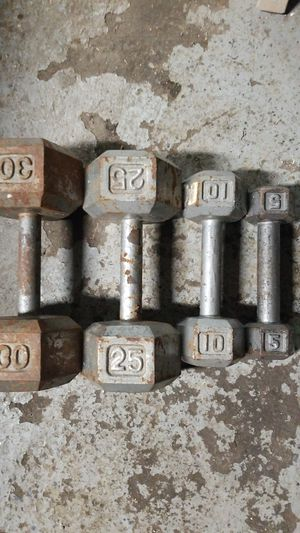 Dumbbell 5-10-25-30 pound single for Sale in Garfield, NJ
