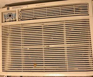 Large AC window unit 18000 btu for Sale in Houston, TX