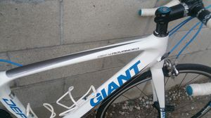 Giant road bike full carbon for Sale in Los Angeles, CA