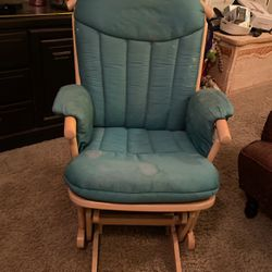 Dutailier Guilder Rocking Chair for Sale in Yorba Linda,  CA