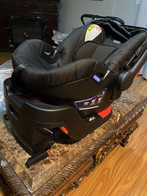 Britax B-Safe 35 Infant Car Seat (BRAND NEW) for Sale in Lynwood, CA