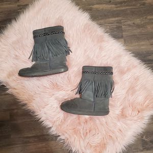 Bearpaw Moccasin Style Boots for Sale in Citrus Heights, CA