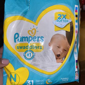 Newborn Pampers for Sale in Lynwood, CA
