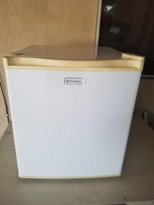 Emerson mini fridge for Sale in Paramount, CA