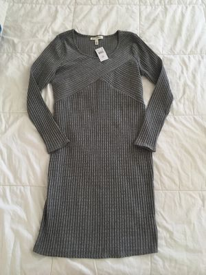 New Jessica Simpson Maternity Dress Large Grey White Long sleeve for Sale in Hesperia, CA
