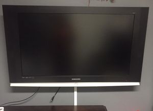 Samsung TV 40 inch for Sale in Boyds, MD