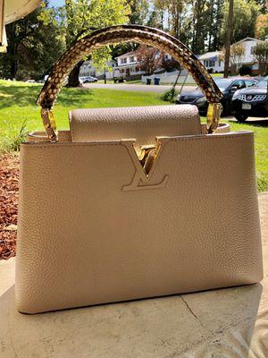 Louis Vuitton- Capucines PM for Sale in West Springfield, VA