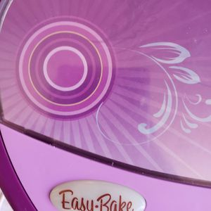 Easy-Bake Purple Ultimate Oven, Includes Baking Pan, Tool,clean house, no Smoking, no Pet, no Corona for Sale in Springfield, VA
