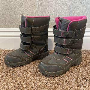 Girls Size 3 snow boots for Sale in Rancho Cucamonga, CA