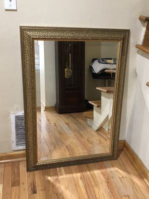 "Beautiful Wall mirror 42""x 30"" for Sale in Des Plaines, IL"