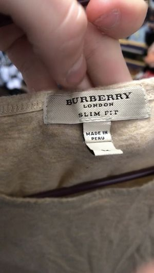 Burberry tee size medium for Sale in San Diego, CA