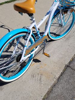 26 CAPE COD BEACH CRUISER, LIKE NEW. SHINES VERY WELL. 👉AVAILABLE. for Sale in Santa Ana,  CA