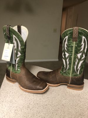 Ariat Boots for Sale in Nashville, TN