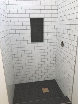 White Glossy 3x6 Subway Tile for Sale in Tacoma, WA