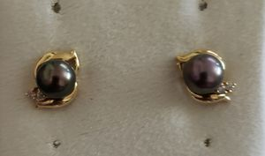Genuine pearl with diamond earrings. 14kt gold for Sale in Salem, OR
