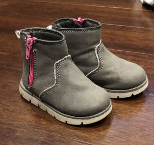 Size 5 Toddler Girl Boots for Sale in Everett, WA