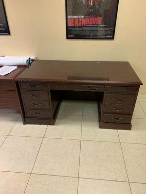 Office furniture for Sale in Pompano Beach, FL