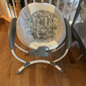 Graco Baby Swing for Sale in Parkville, MD