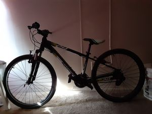 24in cannondale trail bike rides like the wind for Sale in Orlando, FL