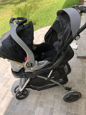 Stroller with car seat for Sale in San Antonio, TX
