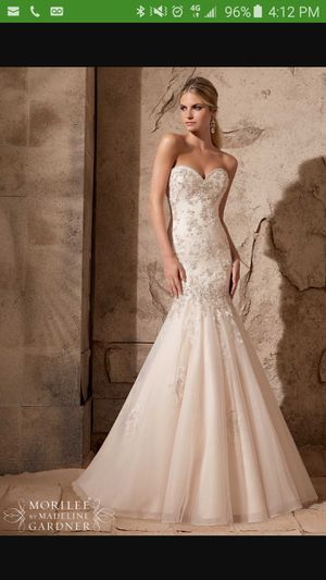 Champagne Wedding dress for Sale in Houston, TX