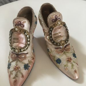 French / Victorian Decor (Little Shoes) for Sale in Stockton, CA