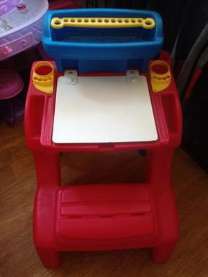 Kids desk with dry erase top that opens for storage for Sale in Painesville, OH
