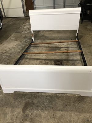 Full double bed frame with head and footboard-white for Sale in Rossville, IN