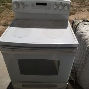 Glass top stove and dishwasher for Sale in Surprise, AZ