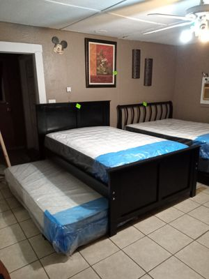 """FULL SIZE BED WITH TRUNDLE """" NEW MATTRESSES INCLUDED """" for Sale in Lindsay, CA"""