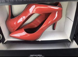Women's Size 8 Vera Wang Heel for Sale in Charlotte, NC