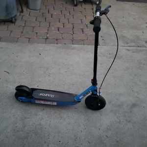 Kids Raizor E100 for Sale in Whittier, CA