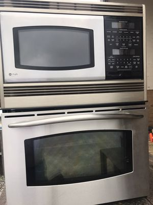 Bosch microwave oven convection for Sale in Orlando, FL