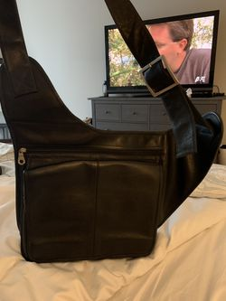 Real leather messenger bag for Sale in Oregon City,  OR